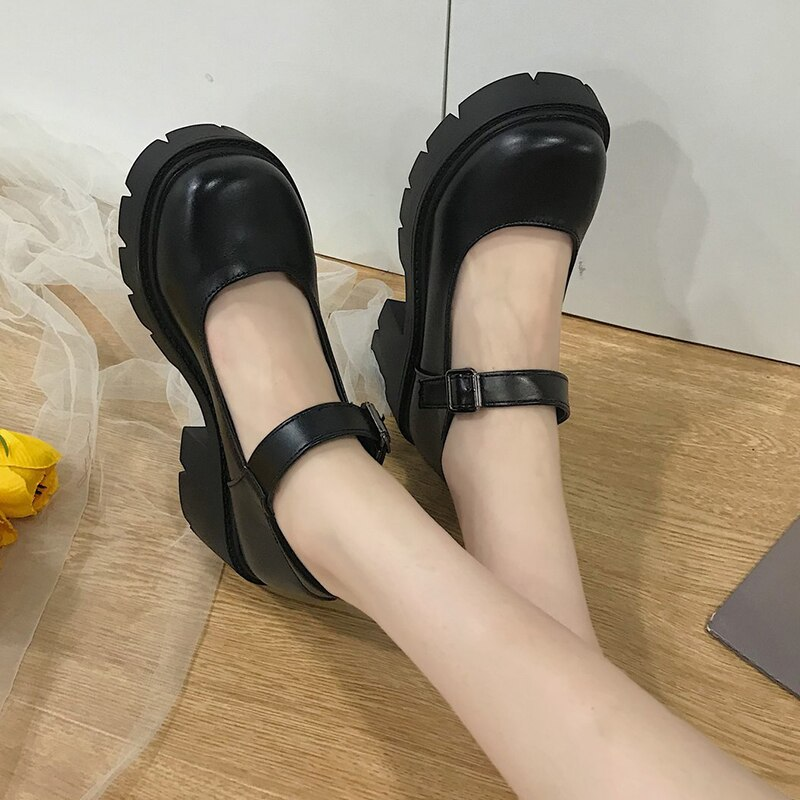 GLOSSY BLACK PLATFORM MARY JANES